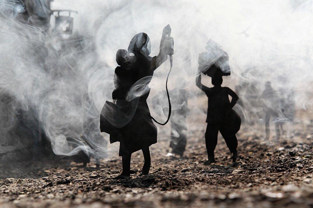 fotografia-miniature-carta-fumo-cambogia-guerra-remissa-mak-13