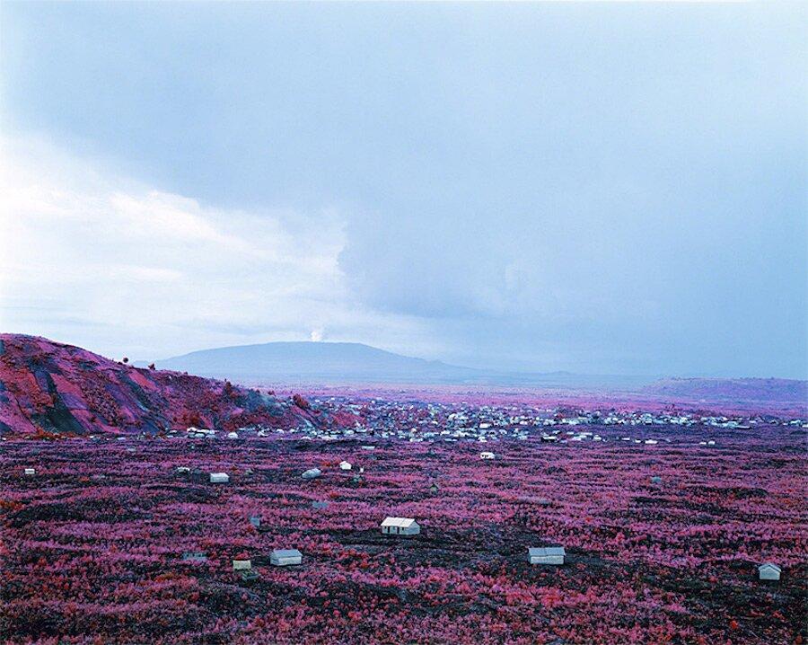 fotografia-paesaggi-rosa-congo-infrarossi-infra-richard-mosse-05