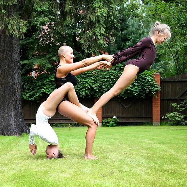 mamma-pose-yoga-nuda-marina-vovchenko-05