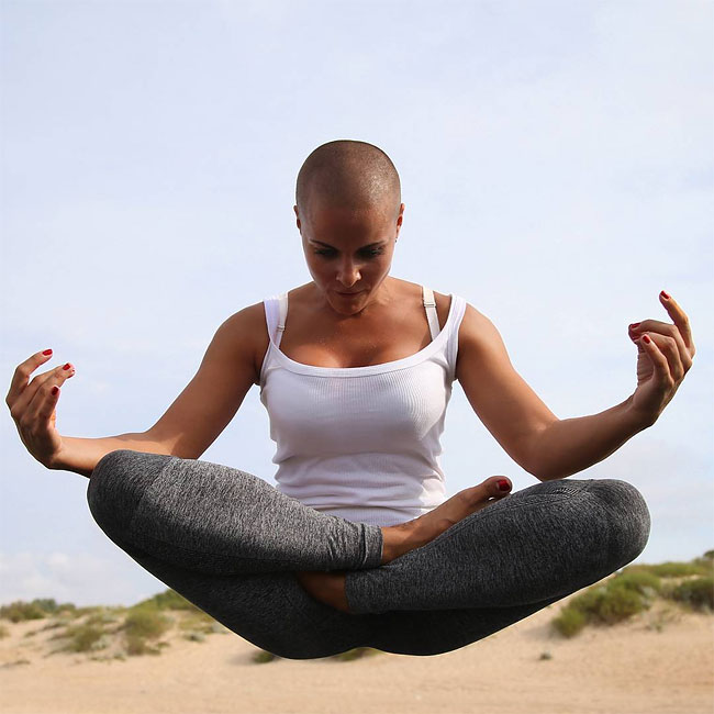 mamma-pose-yoga-nuda-marina-vovchenko-25