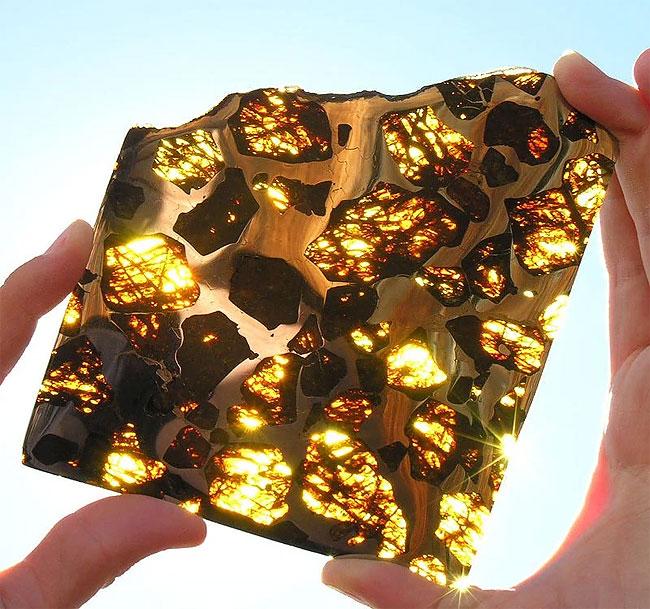 meteorite-fukang-3