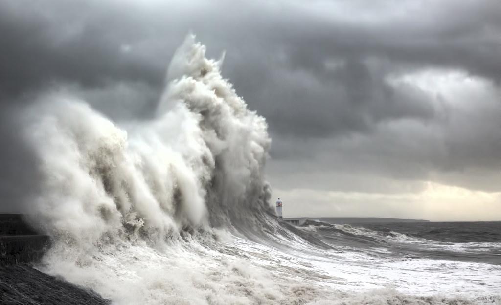 onde-mare-faro-fotografia-steve-garrington-6