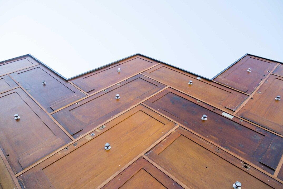 pavillon-circulaire-padiglione-porte-riciclate-parigi-encore-heureux-architects-09