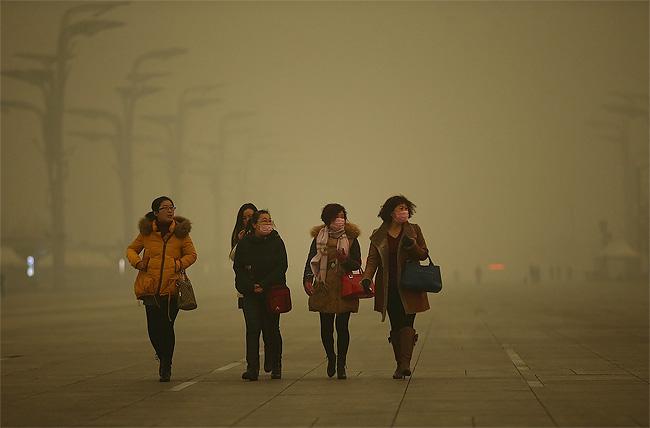 raccoglie-smog-pechino-aspirapolvere-mattone-wang-renzheng-3