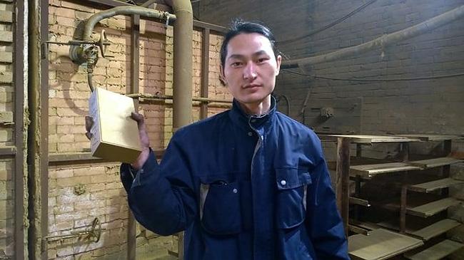 raccoglie-smog-pechino-aspirapolvere-mattone-wang-renzheng-7