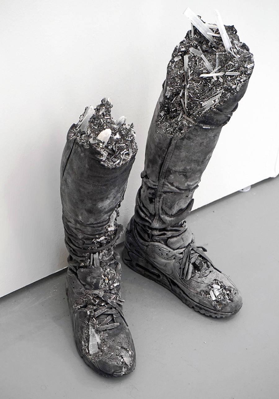 scultura-donna-cenere-vulcanica-selenite-daniel-arsham-04