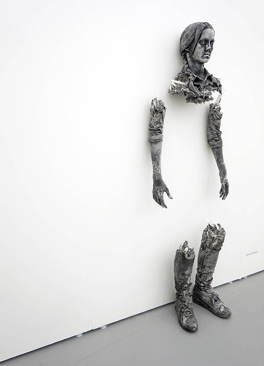 scultura-donna-cenere-vulcanica-selenite-daniel-arsham-06