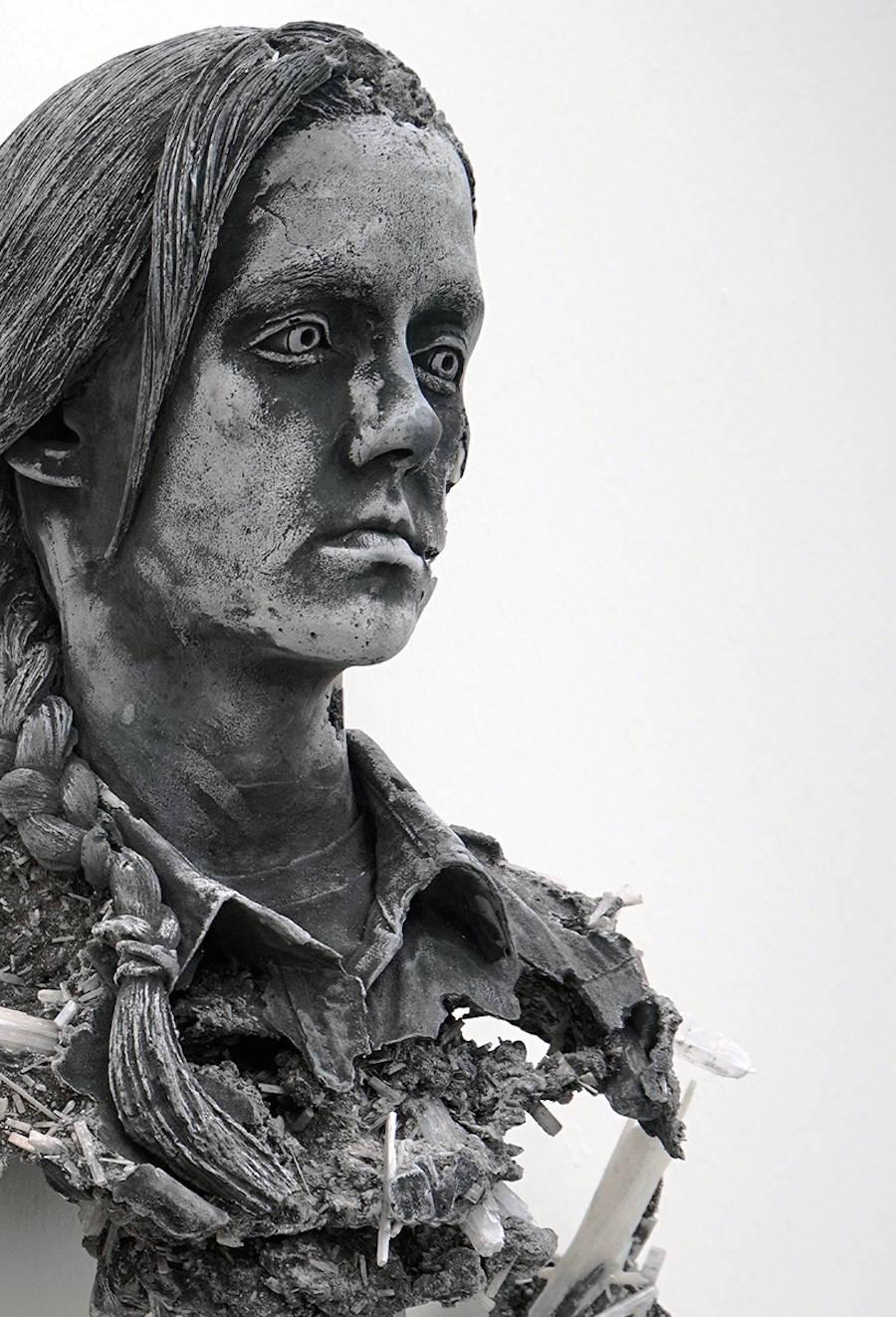 scultura-donna-cenere-vulcanica-selenite-daniel-arsham-08