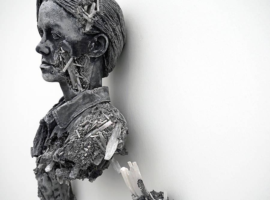 scultura-donna-cenere-vulcanica-selenite-daniel-arsham-11
