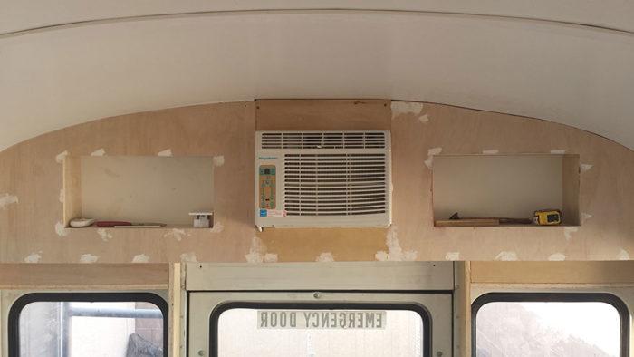 scuola-bus-convertito-casa-mobile-patrick-schmidt-01