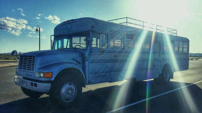 scuola-bus-convertito-casa-mobile-patrick-schmidt-02