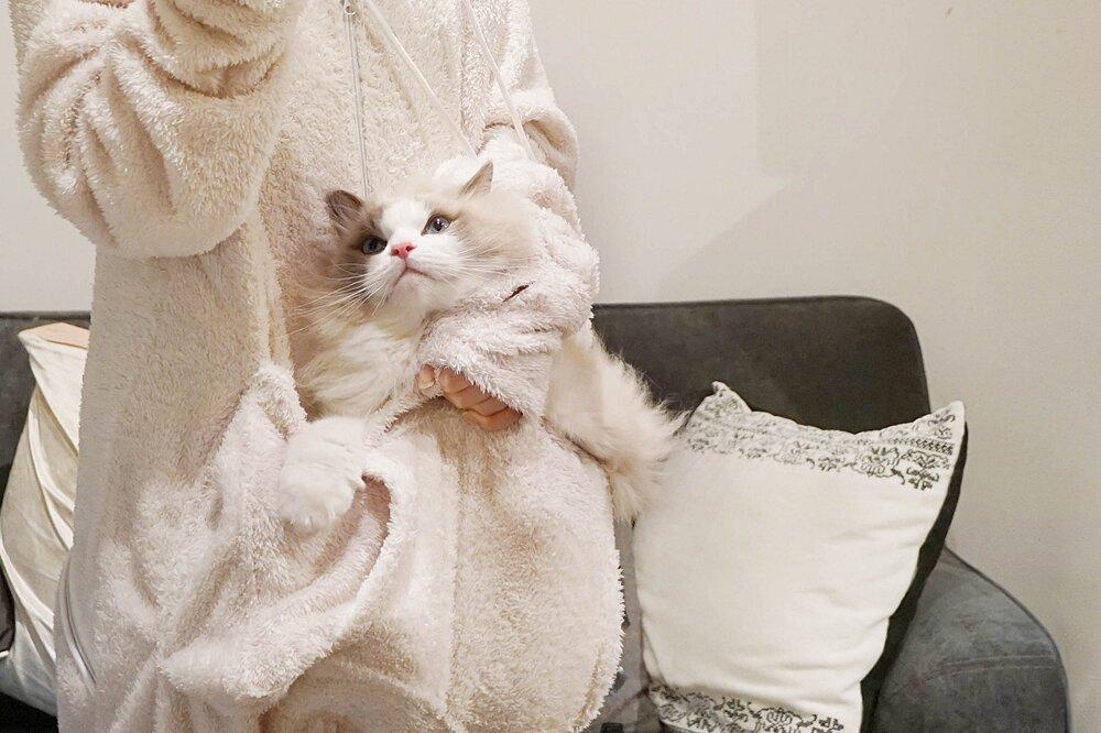 tuta-pigiama-marsupio-gatto-mewgaroo-jumpsuit-unihabitat-07