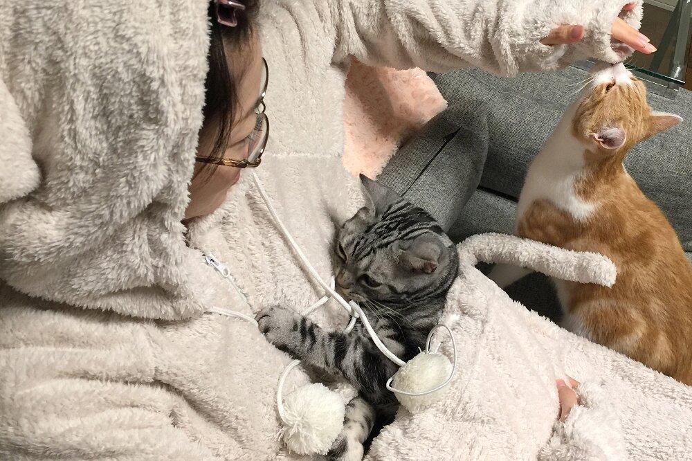 tuta-pigiama-marsupio-gatto-mewgaroo-jumpsuit-unihabitat-09