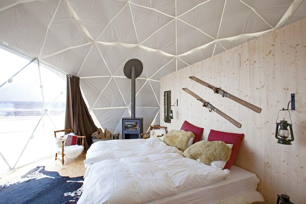 whitepod-hotel-lusso-alpi-svizzera-05