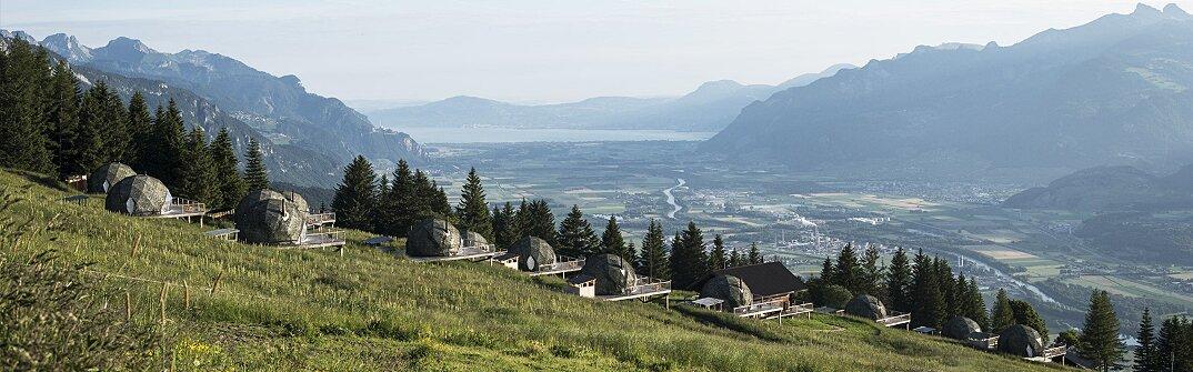 whitepod-hotel-lusso-alpi-svizzera-06