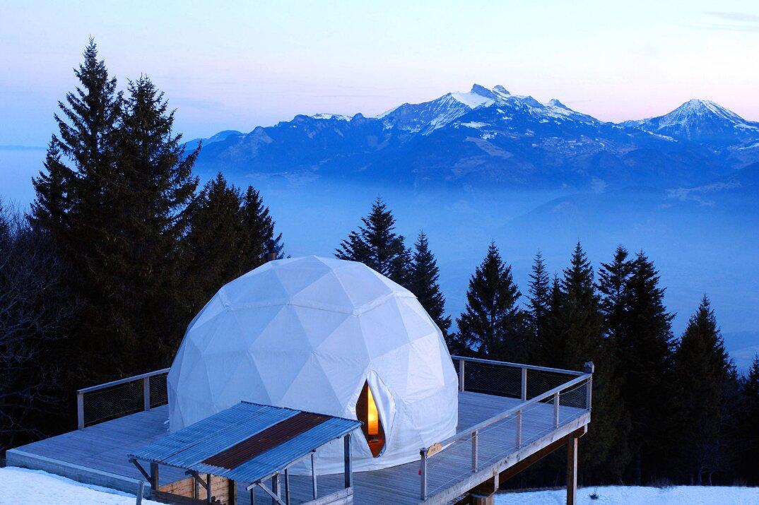 whitepod-hotel-lusso-alpi-svizzera-11