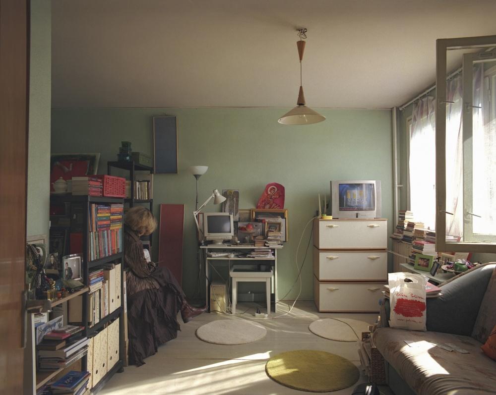 10-appartamenti-identici-10-vite-diverse-fotografia-bogdan-girbovan-05