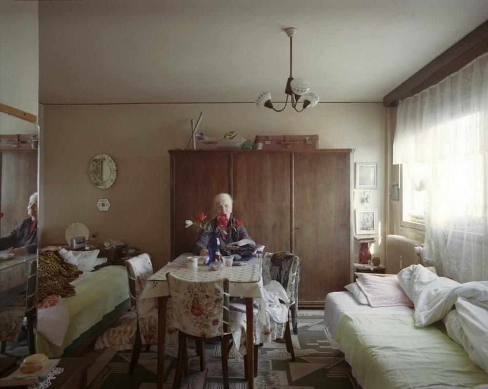 10-appartamenti-identici-10-vite-diverse-fotografia-bogdan-girbovan-07
