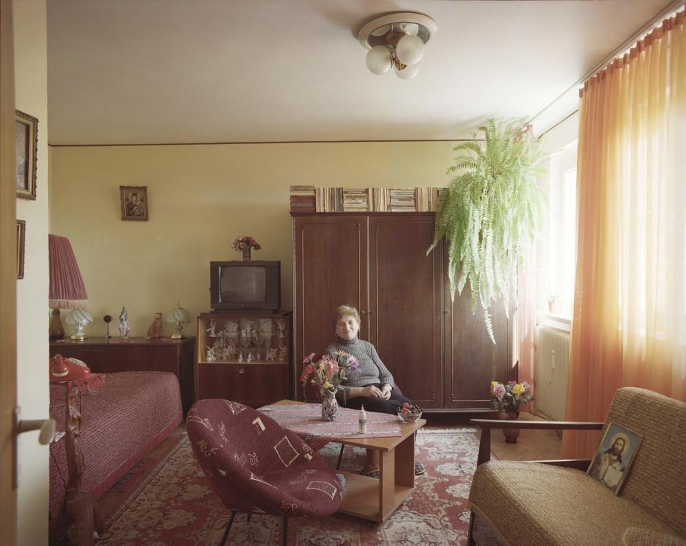 10-appartamenti-identici-10-vite-diverse-fotografia-bogdan-girbovan-08