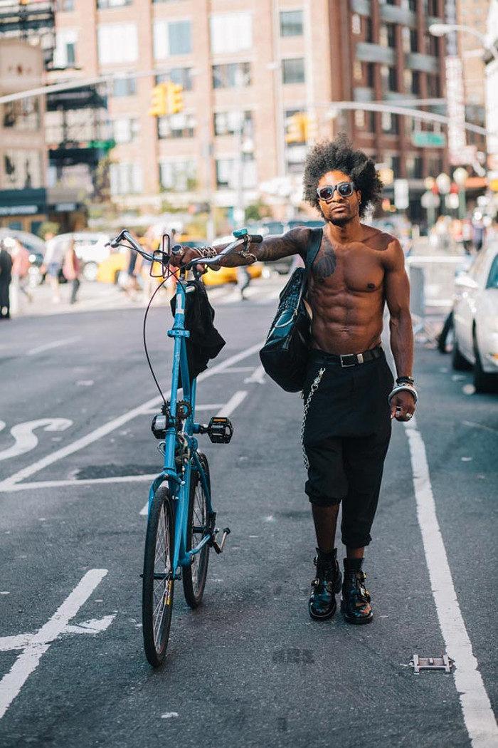 abitanti-new-york-bicicletta-fotografia-sam-polcer-01