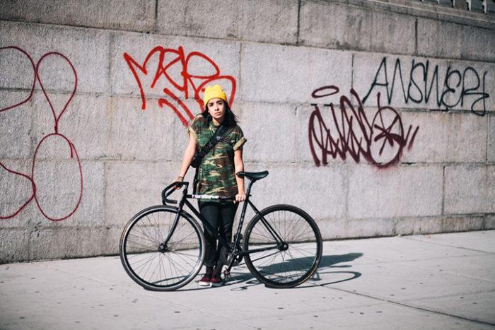 abitanti-new-york-bicicletta-fotografia-sam-polcer-12