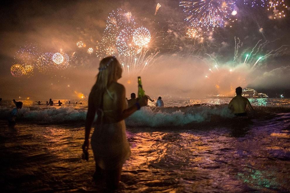 capodanno-2016-copacabana-brasile-foto-01
