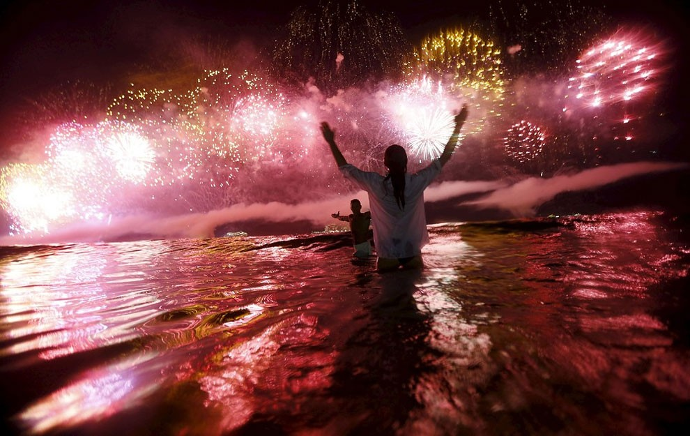 capodanno-2016-copacabana-brasile-foto-02