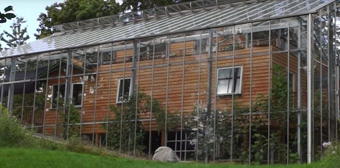 casa-racchiusa-in-serra-stoccolma-2