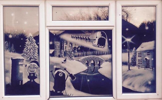 decorazioni-natale-neve-spray-ospedale-pediatrico-tom-baker-09