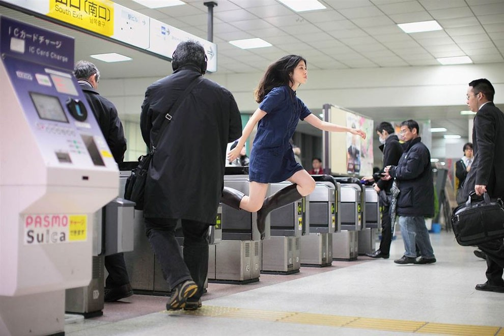 fotografia-surreale-levitazione-natsumi-hayashi-04