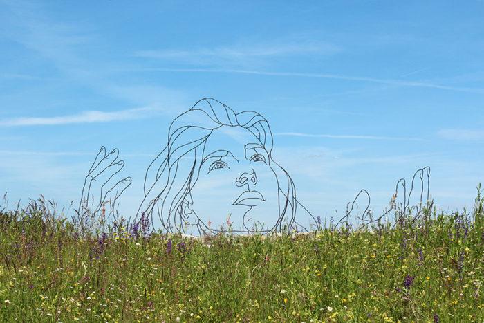 sculture-filo-metallo-disegni-gavin-worth-1