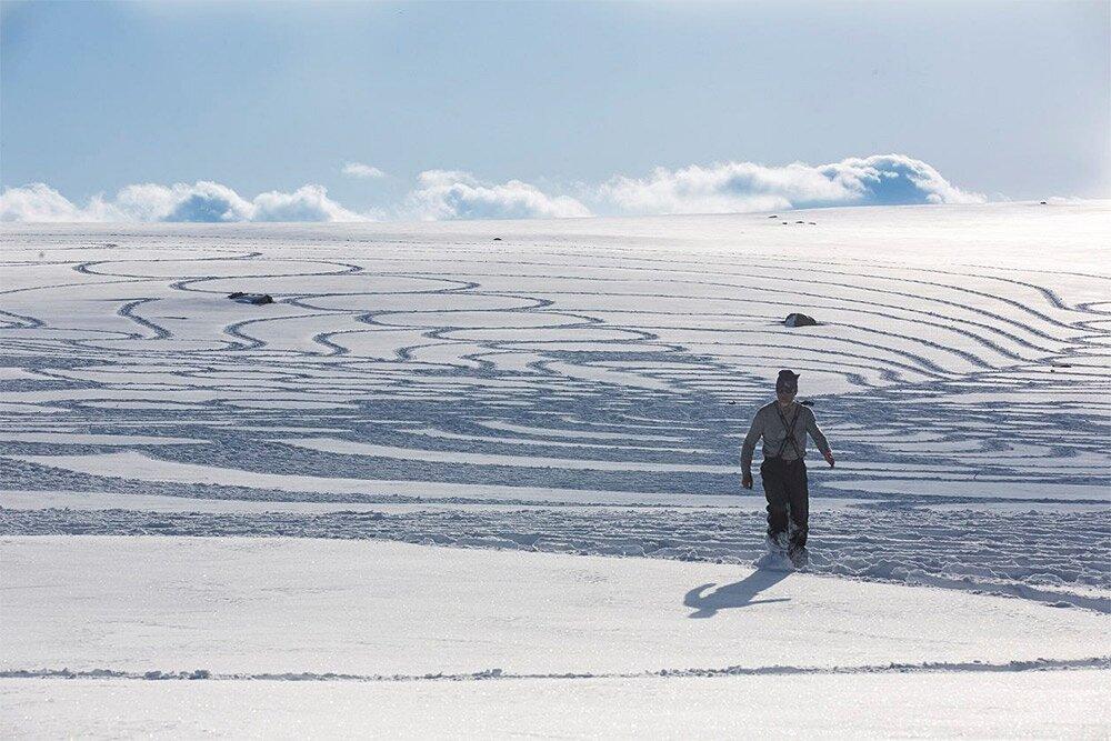 snow-art-disegni-neve-sabbia-simon-beck-03