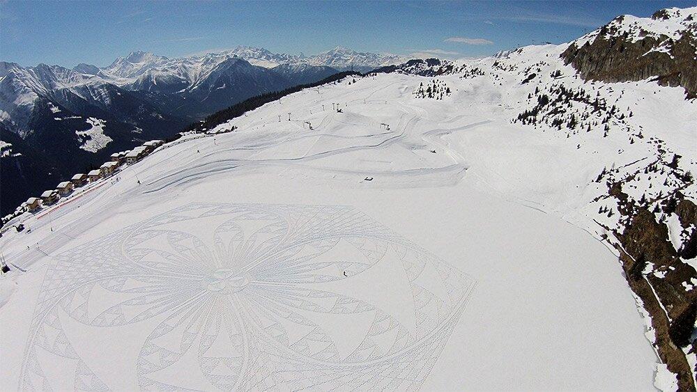 snow-art-disegni-neve-sabbia-simon-beck-11