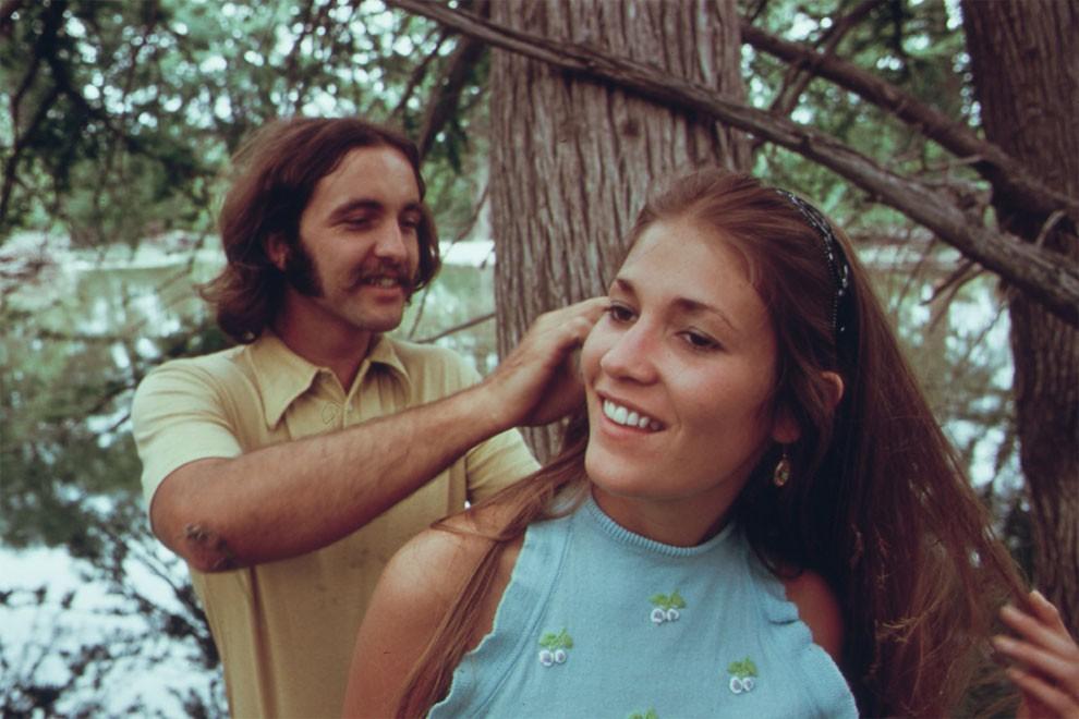 adolescenti-fumano-erba-america-1973-marc-san-gil-04