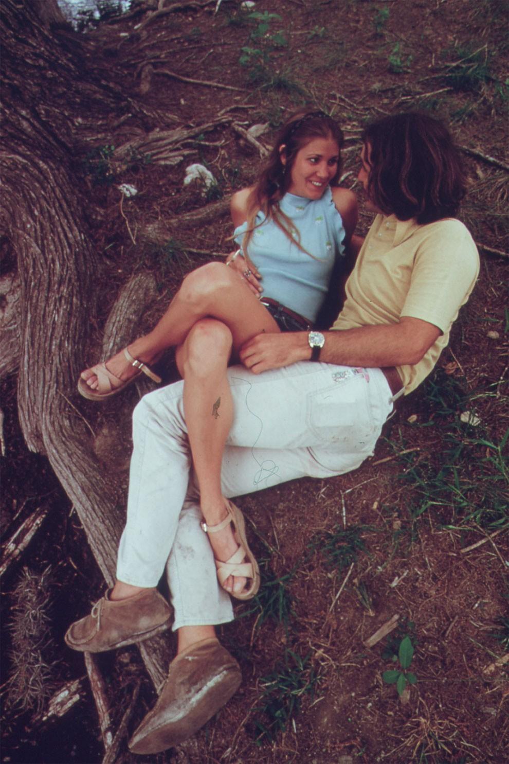 adolescenti-fumano-erba-america-1973-marc-san-gil-05