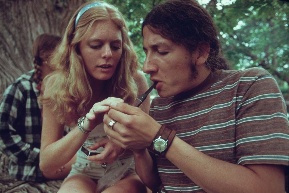 adolescenti-fumano-erba-america-1973-marc-san-gil-08