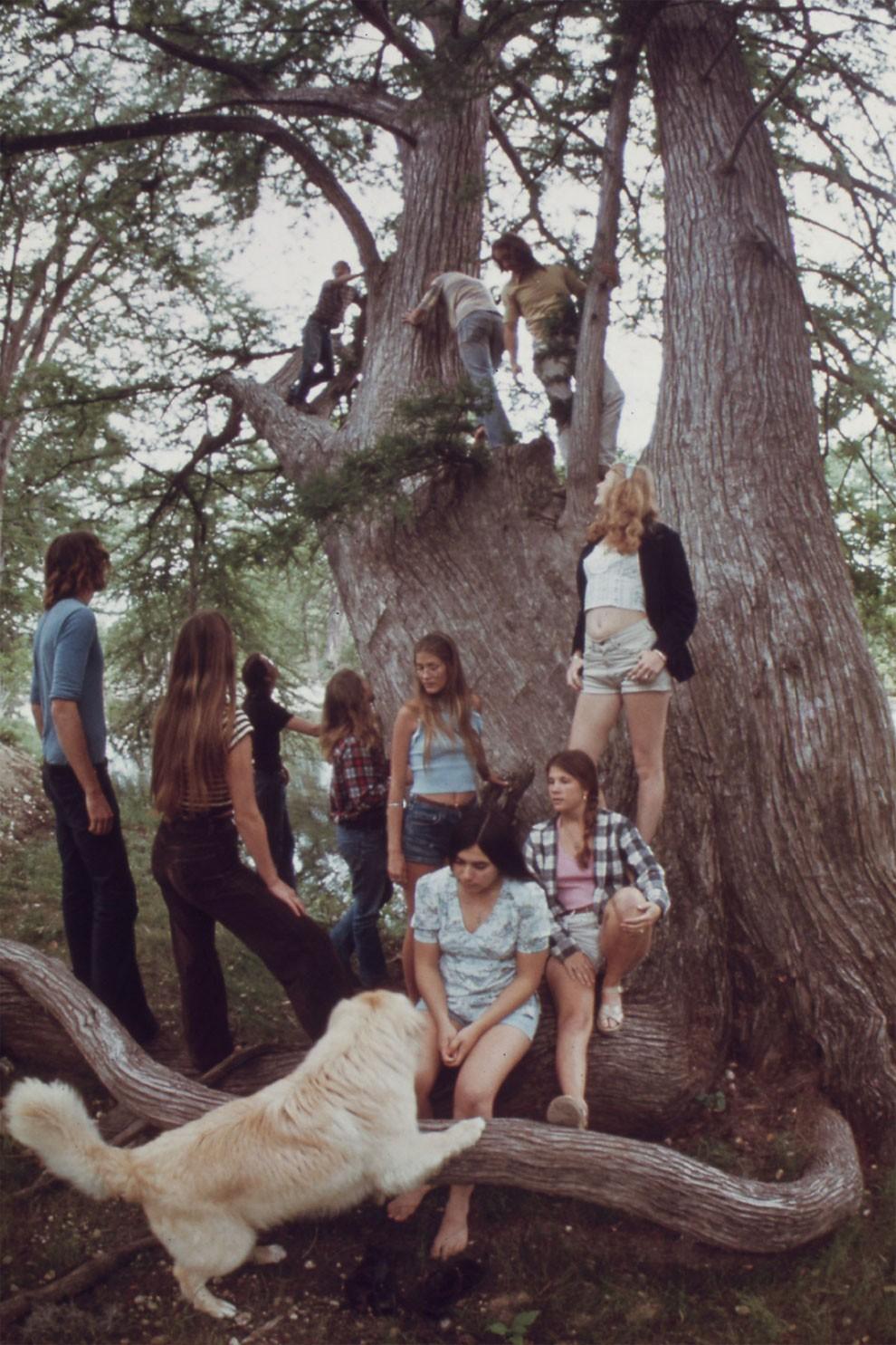 adolescenti-fumano-erba-america-1973-marc-san-gil-13