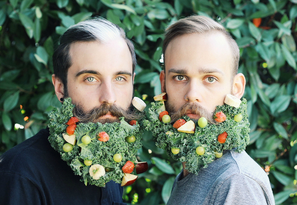 amici-decorano-loro-barbe-the-gay-beards-07