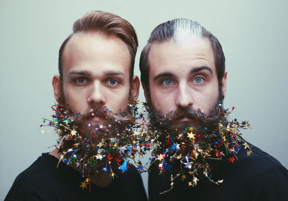 amici-decorano-loro-barbe-the-gay-beards-08