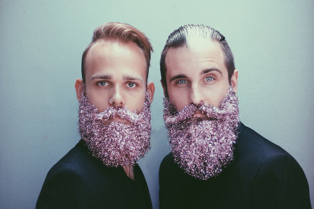 amici-decorano-loro-barbe-the-gay-beards-11