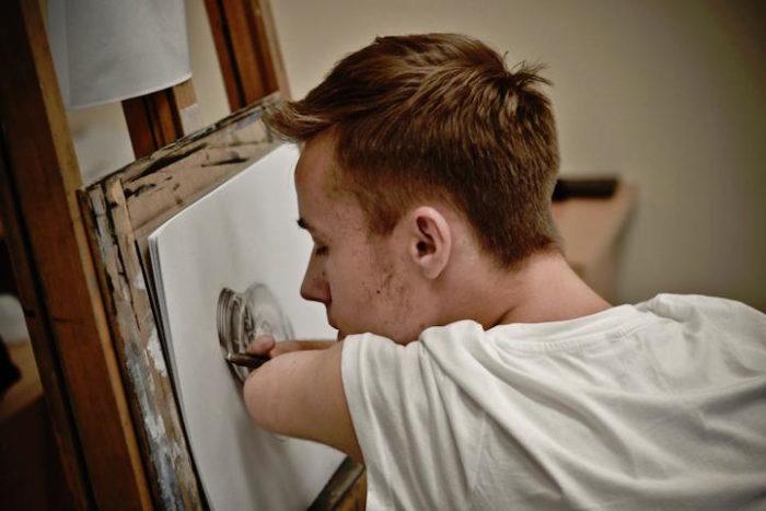 artista-senza-braccia-disegni-realistici-mariusz-kedzierski-01