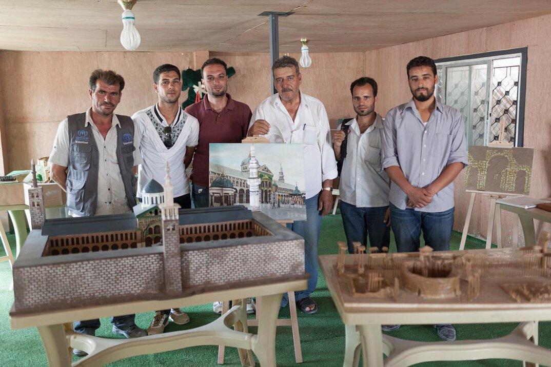 artisti-rifugiati-siriani-riproduzioni-monumenti-distrutti-01