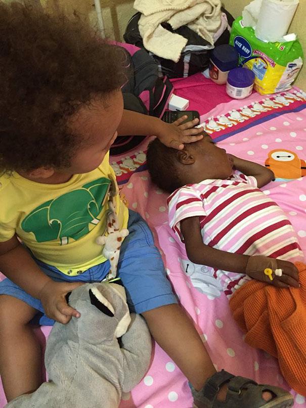 bambino-nigeriano-affamato-assetato-hope-soccorso-anja-ringgren-03