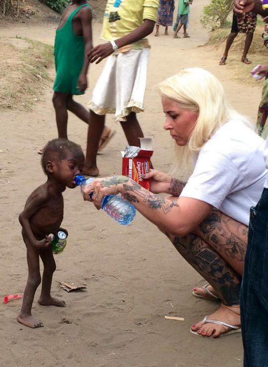 bambino-nigeriano-affamato-assetato-hope-soccorso-anja-ringgren-08