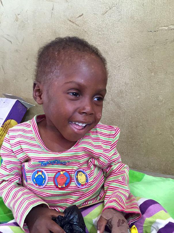 bambino-nigeriano-affamato-assetato-hope-soccorso-anja-ringgren-10