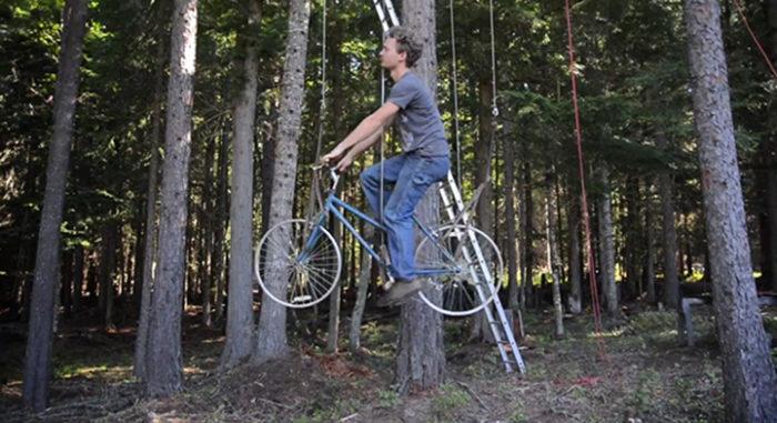 bicicletta-ascensore-casa-su-albero-ethan-schlussler-2