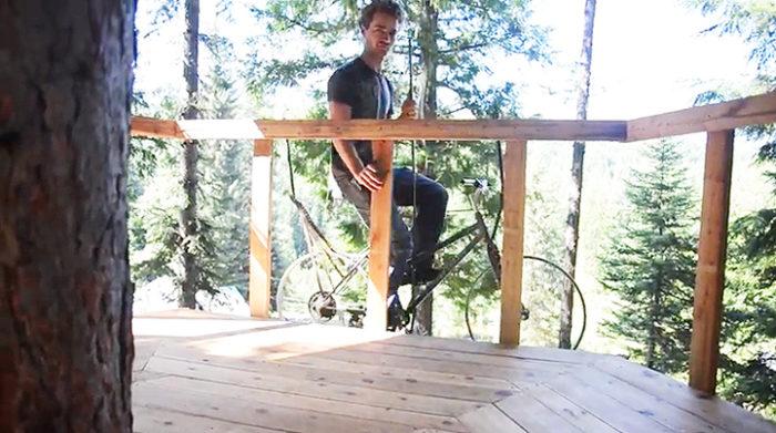 bicicletta-ascensore-casa-su-albero-ethan-schlussler-4