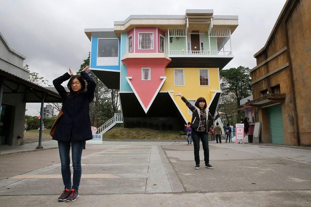 casa-capovolta-sotto-sopra-taipei-taiwan-10