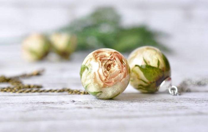 Gioielli Che Racchiudono Veri Fiori Di Paula Schiau