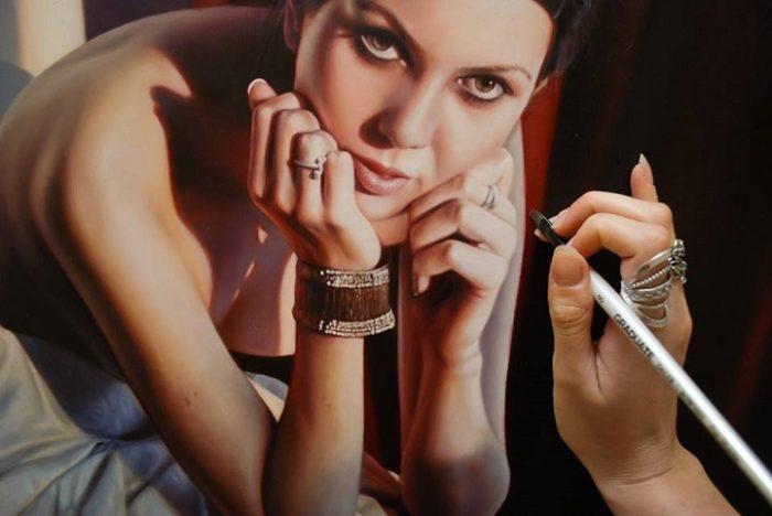 dipinti-iperrealisti-ritratti-donne-bronwyn-hill-03